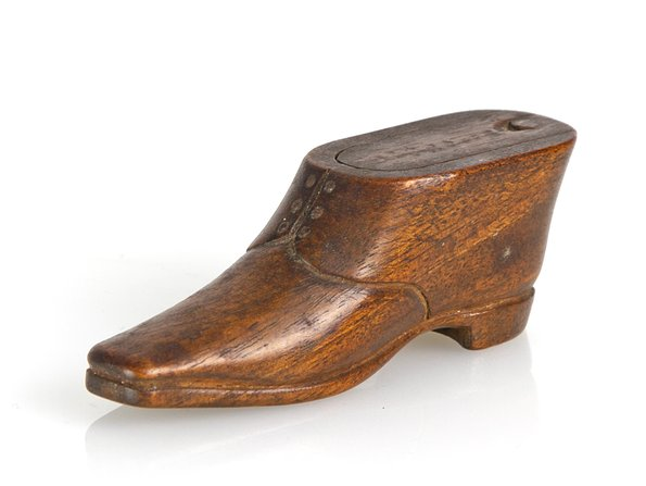 Georgian Carved Wood Snuff Box c.1800